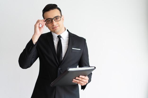 Le métier d'un avocat: les qualités et les honoraires